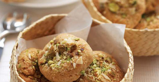 Pistachio, Oat and Almond Biscuits