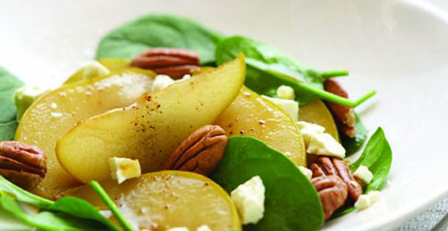 Caramelised Pear, Spinach and Pecan Salad