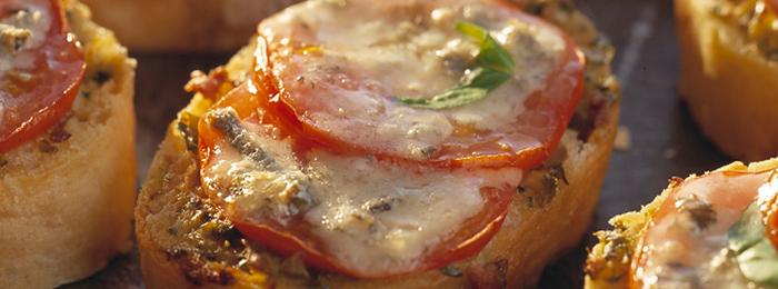 Tomato & Gorgonzola Crostini