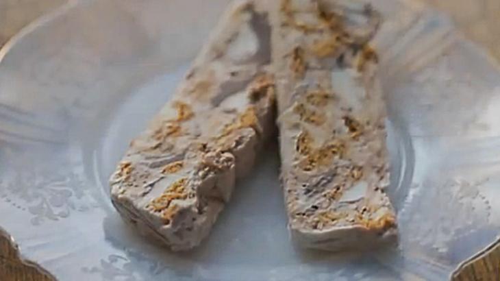 Amaretti Crunch Semifreddo